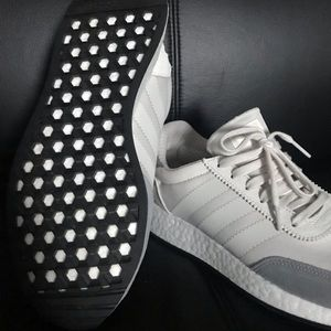 I-5923 ADIDAS Boost Running Shoes